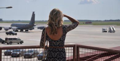 Viajar sozinha de avião